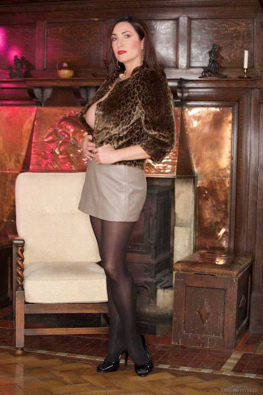 Short leather skirt pantyhose high heels and Magic Wand, Miss Hybrid.